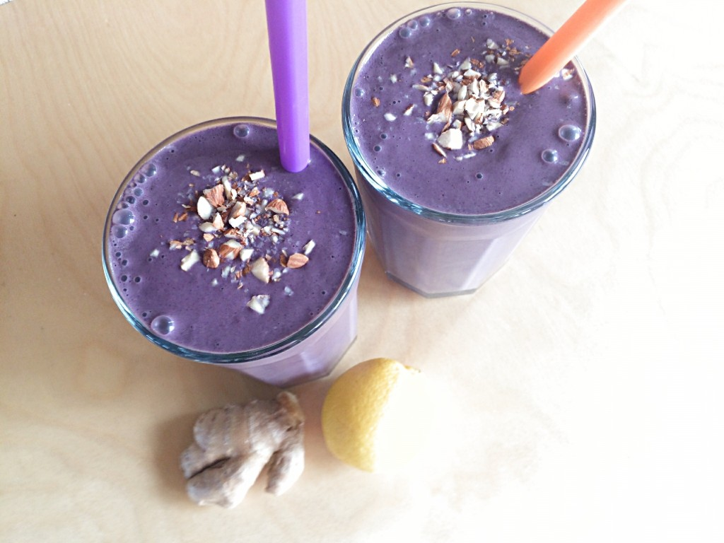 blueberry chocolate smoothie