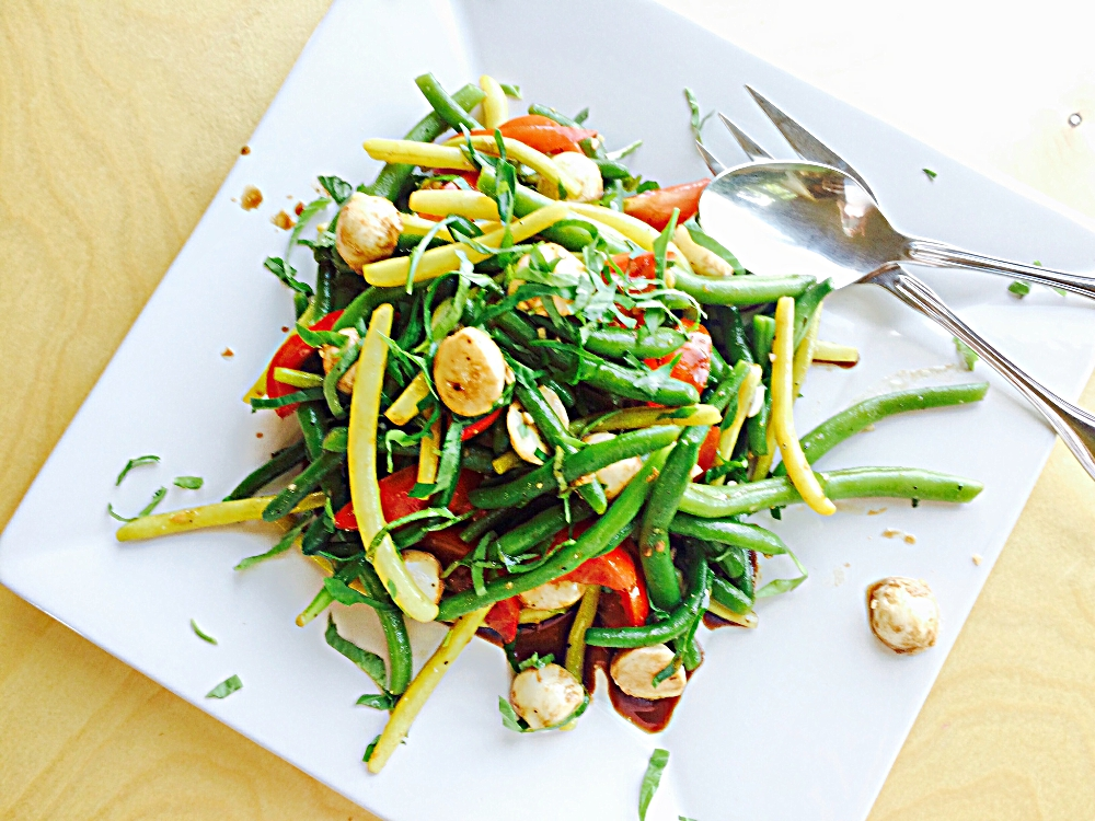 Green Bean Caprese Salad