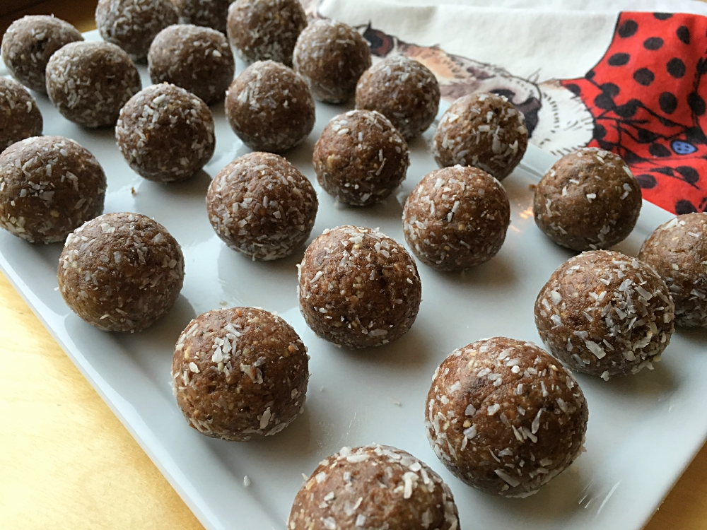 Chocolate Peppermint Protein Bites